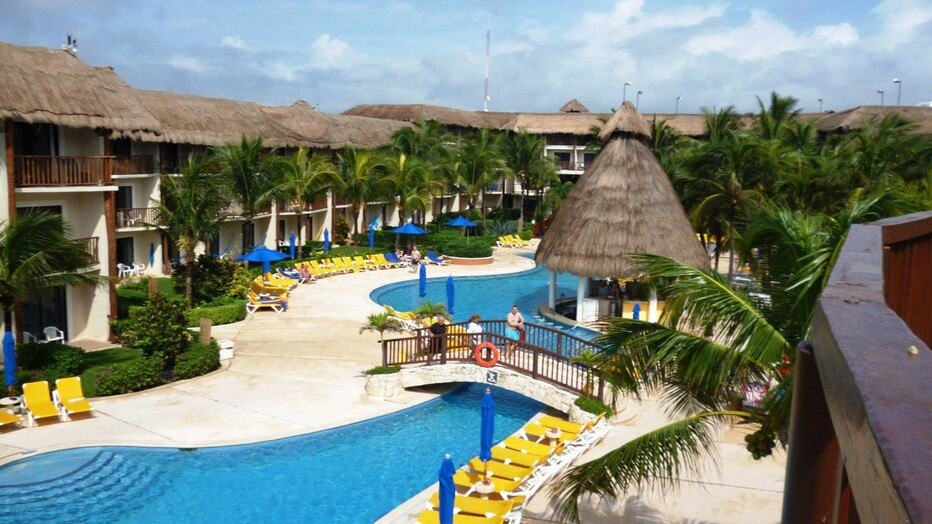 The Reef Cocobeach Resort
